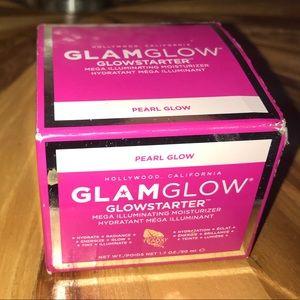 New in box Glam Glow glowstarter moisturizer